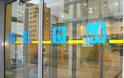 Marquage personnalisé de surfaces vitrées avec VIGIVITRE